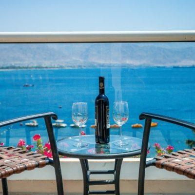 aria-dlx-suite-sea-balcony