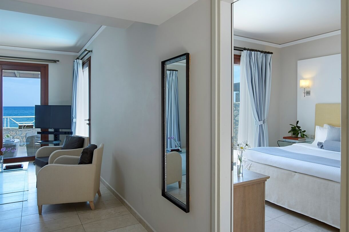 luxury_suite_sea_front_private_pool2